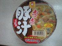 まるちゃん あつあつ豚汁うどん 88円